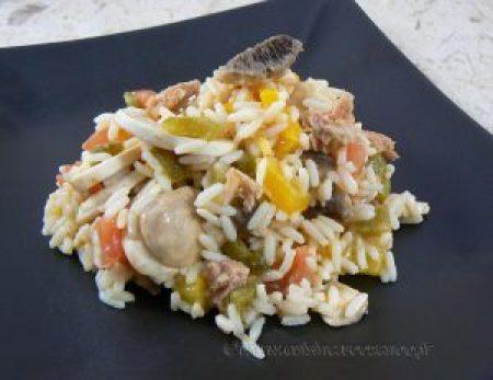 Salade de riz au thon, champignons et poivrons