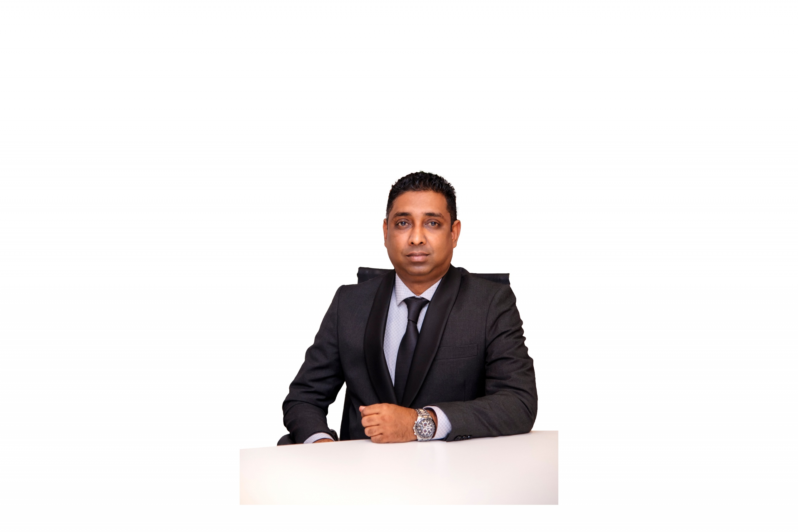A Passionate Marketer Maintaining Notable Standards – Dr.Lalindra Munasinghe, Chief Executive Officer of Brandmunas and Munaspparel