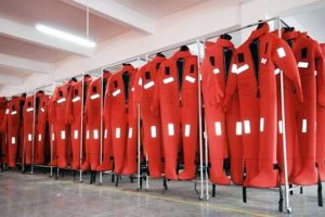 Prefectura prorrogó la obligatoriedad de incorporar trajes de inmersión