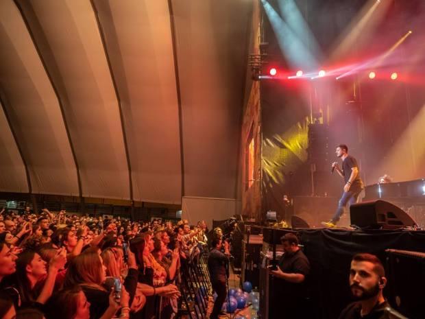 Cepeda durante su concierto en Zaragoza, en Espacio Zity (Fuente: Facebook Espacio Zity)