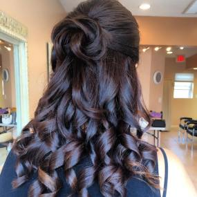 10 Cute Cool Messy Elegant Hairstyles For Prom Looks Youll Love in ucwords]