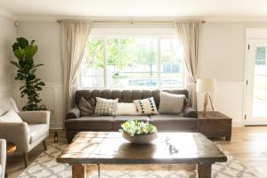 Find Out What A Picture Window Is And How To Decorate It Diy with 21+ Fancy Living Room Window