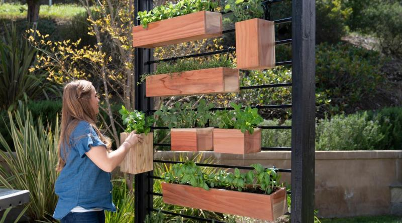 How To Make A Vertical Herb Garden From A Fence Diy within 20+ How To Build Your Own Vertical Garden With A Pallet
