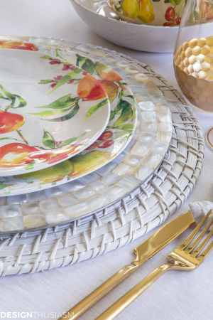 Insanely Gorgeous Informal Table Setting Ideas On A Budget within ucwords]