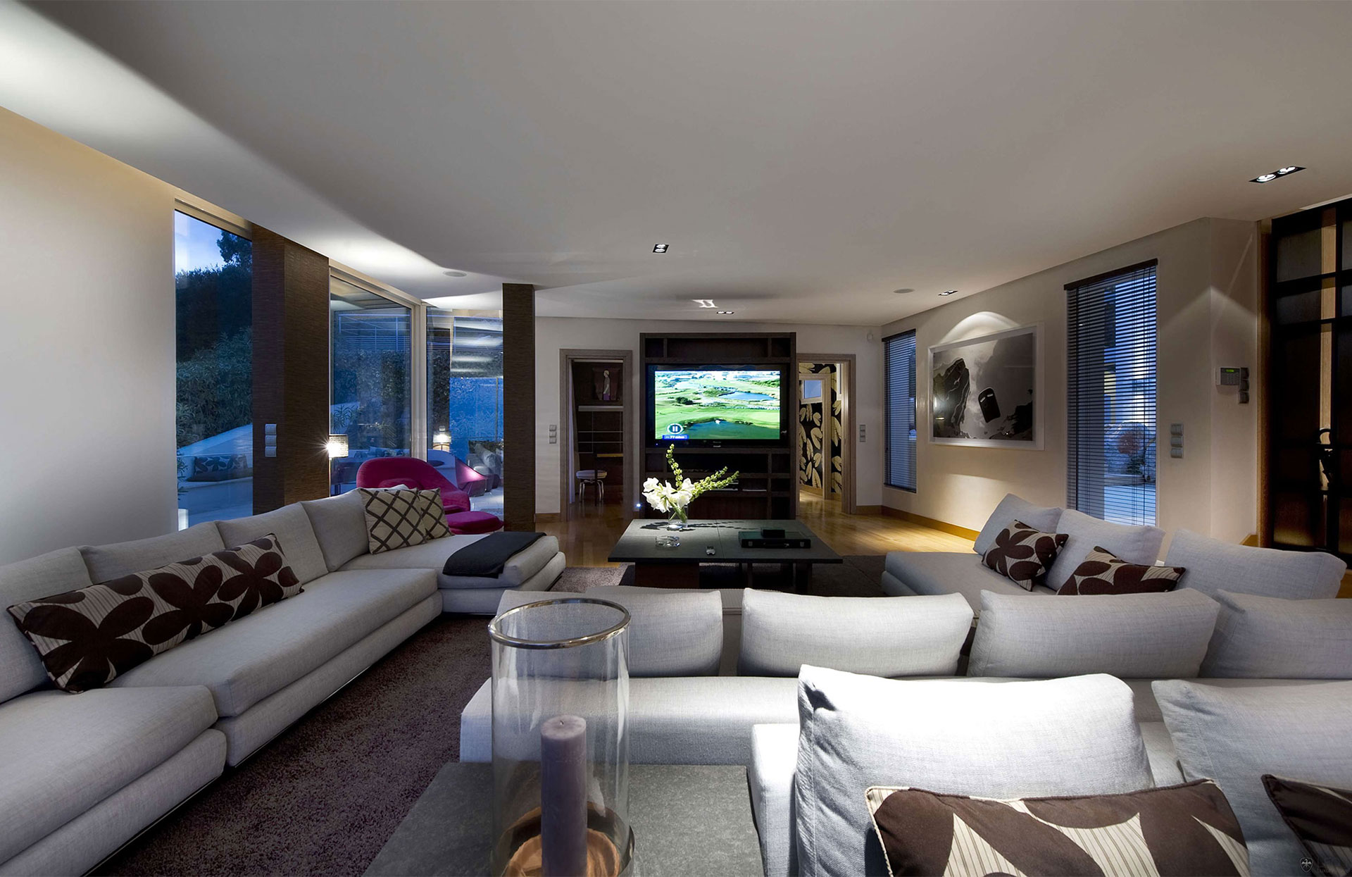 Large Modern Living Room Design With White Chaise Lounge ...