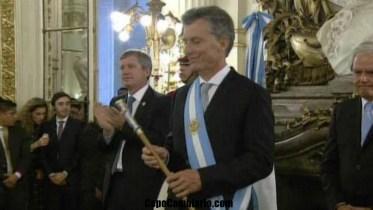 Mauricio Macri recibió los atributos presidenciales en la Casa Rosada