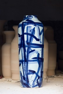 Blue and White monumental Vase, 2011 ᅠ Glazed porcelain painted in cobalt blue 191 x 71 cms