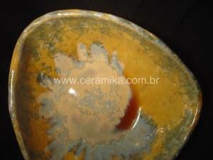bowl triangular em ceramica