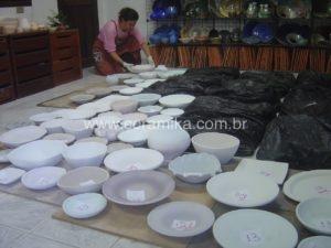 esmaltação de peças ceramicas