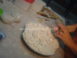 aneis em porcelana artesanal