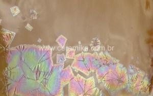 cristais no esmalte de molibdenio
