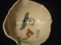 oxidos e corantes colorindo porcelana