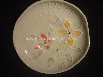 prato em porcelana slip trailing