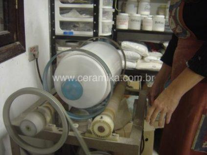 moinho de bolas no preparo de esmaltes
