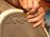 modelagem manual em argila