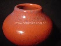 vidrado vermelho em pote de ceramica