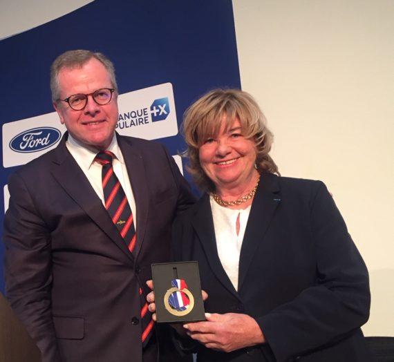 Marie-Thérèse Jourdas reçoit la médaille d'Or de la FFV