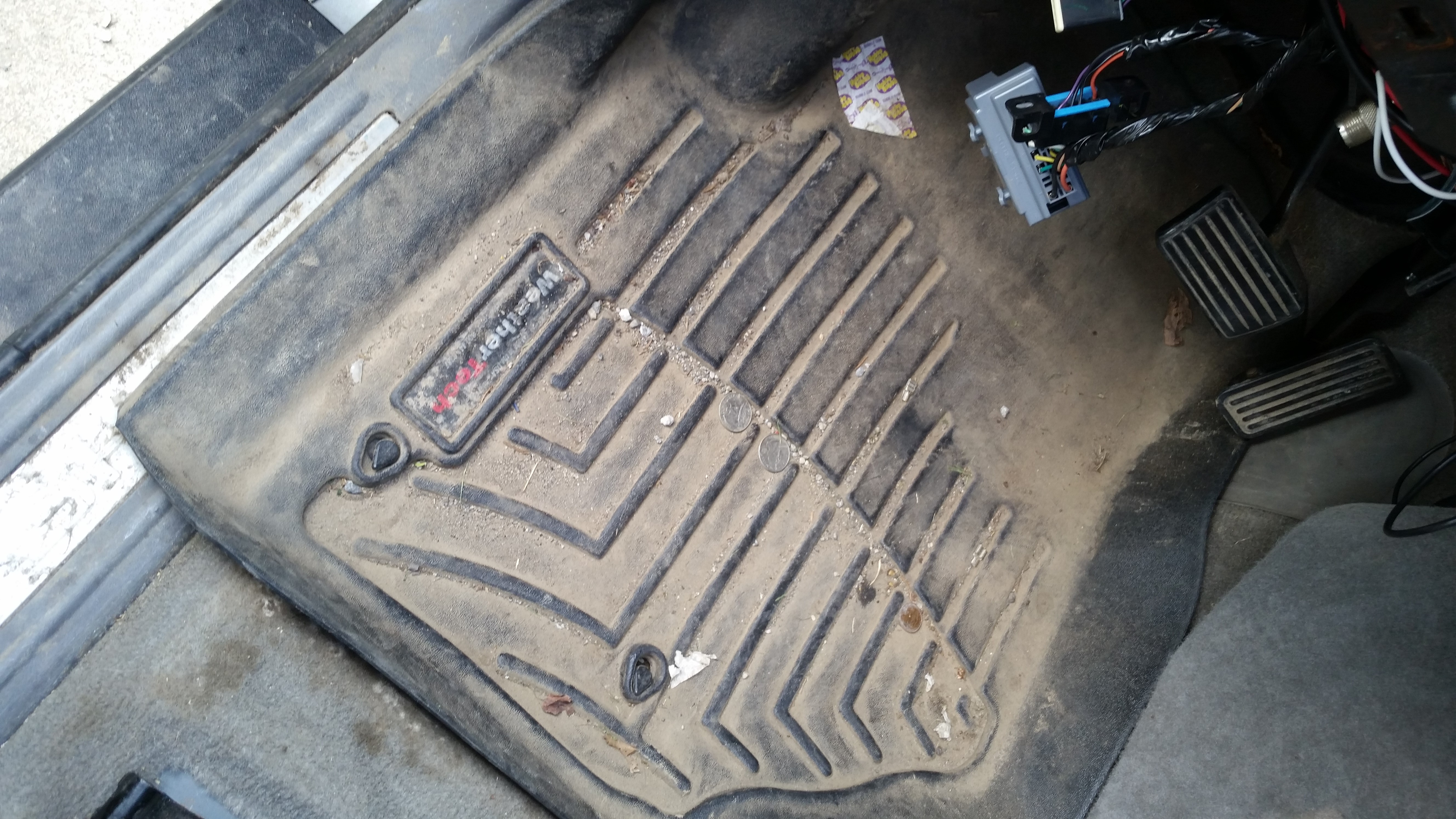 Floor mats cost - As You Can See In These Pictures I Have Used These For A While Now The Have Lots Of Dirt And Dust And On The Passenger Side Of The Car