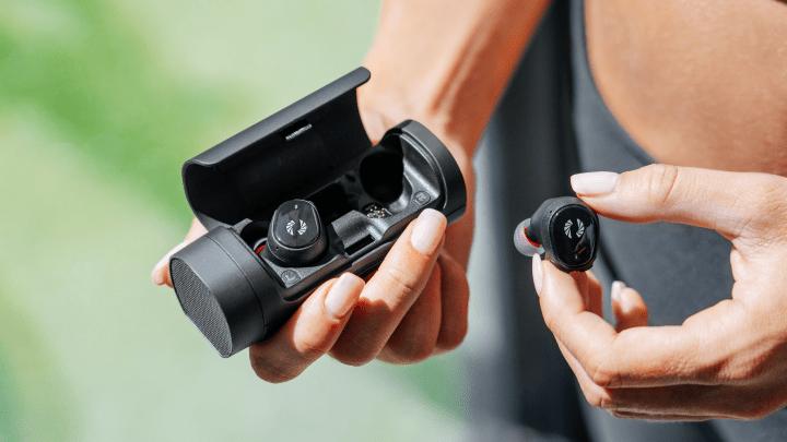 Phiaton Announces BOLT BT 700: World's First True Wireless