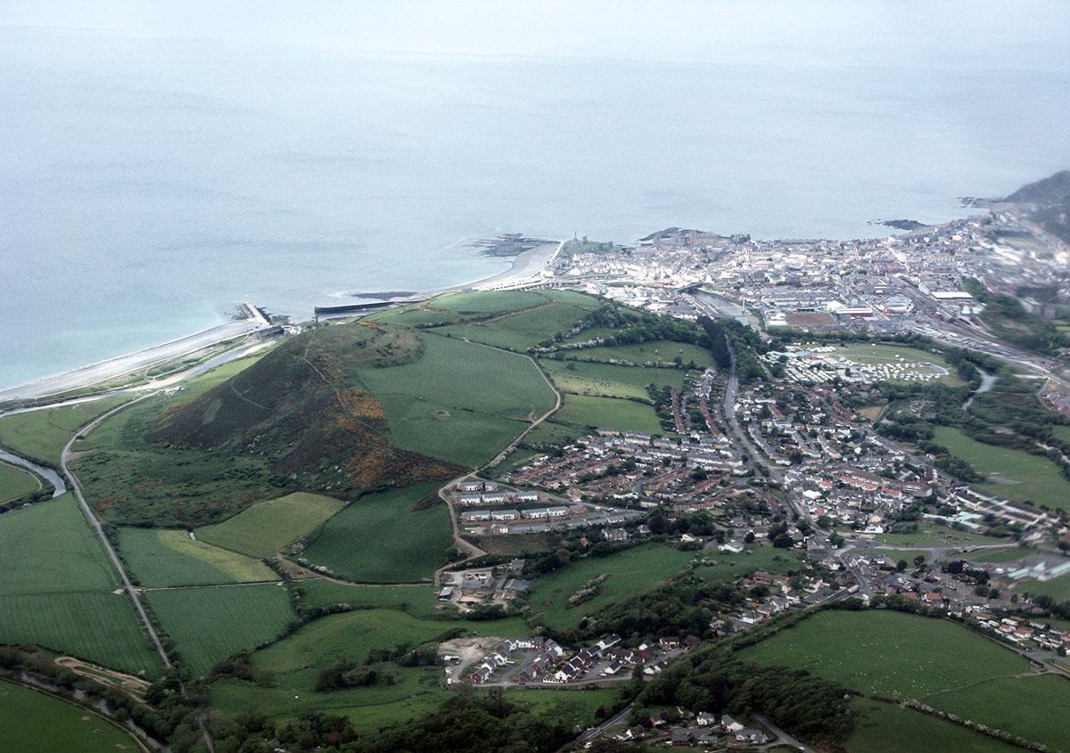 Aberystwyth Pendinas Hillfort - Darganfyddwch archeoleg, hynafiaethau a hanes Ceredigion