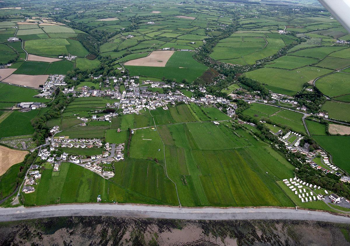 Slangs Hanesyddol Llanon - Darganfyddwch archeoleg, hynafiaethau a hanes Ceredigion