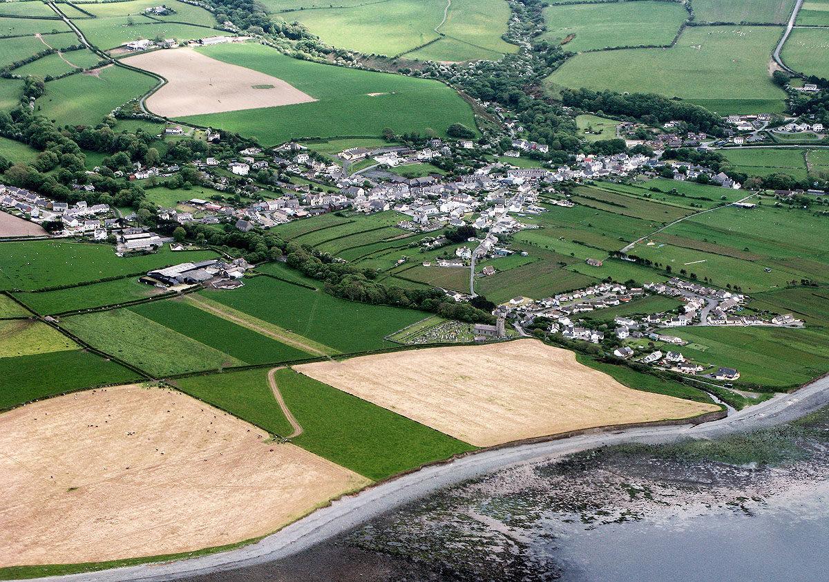 Pentref hanesyddol Llanon - Darganfyddwch archeoleg, hynafiaethau a hanes Ceredigion