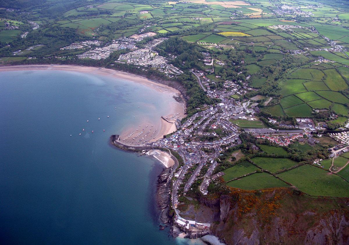 Hanes y Cei Newydd - Darganfyddwch archeoleg, hynafiaethau a hanes Ceredigion