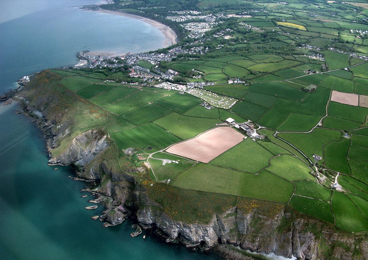 Tirwedd Hanesyddol Cei Newydd - Darganfyddwch archeoleg, hynafiaethau a hanes Ceredigion