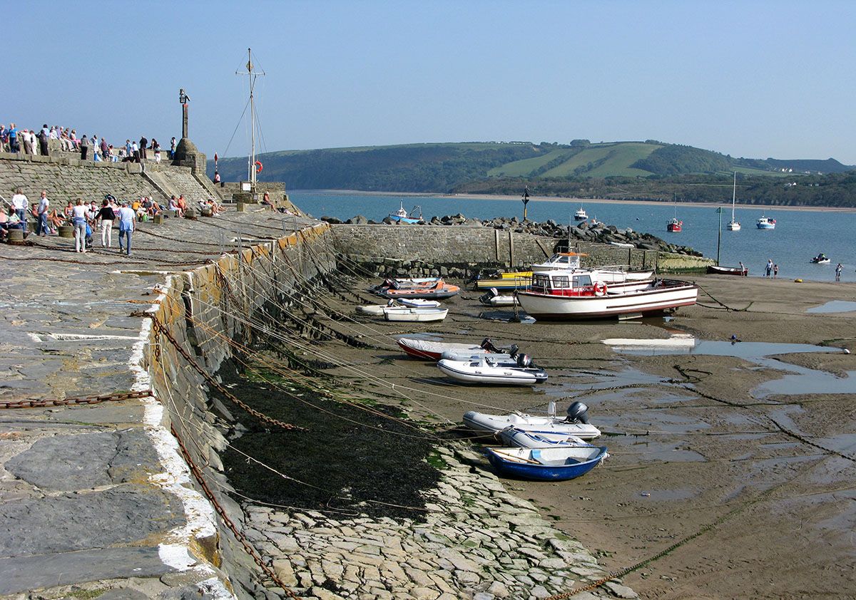 New Quay Pier - Discover the archaeology, antiquities and history of Ceredigion