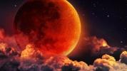 Yüzyılın en uzun kanlı Ay tutulması sosyal medyayı sarstı