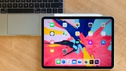 Apple bükülen iPad'ler için açıklama yaptı!