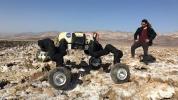 NASA, kendi tırmanan robotlarını sergiledi