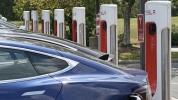 En büyük Tesla V3 Supercharger istasyonu kuruldu