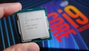 AMD mutlu: Intel işlemci sorununu çözemiyor!