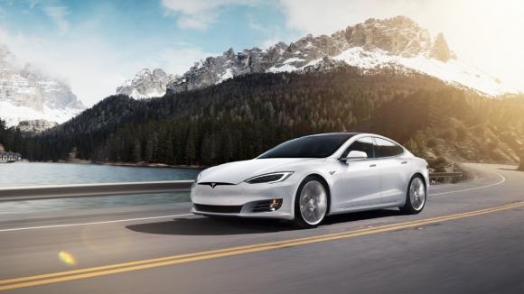 Elon Musk, Tesla sahipleri için eğlenceli bir çözüm buldu