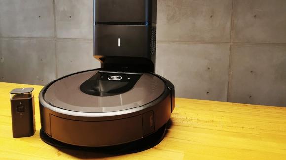 Evi temizleyen minik yaramaz iRobot Roomba i7+ inceleme