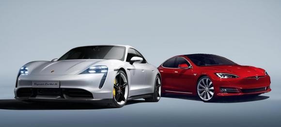 Tesla Model S, Porsche Taycan ile yan yana geldi