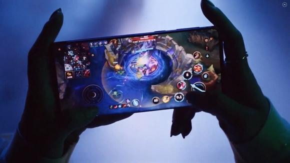 League of Legends, telefonlara ve konsollara geliyor