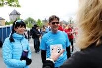 Øyvind Ellingsen før han skal ut på første etappe i St. Olavsloppet 2015. Til venstra Trine Karlsen.