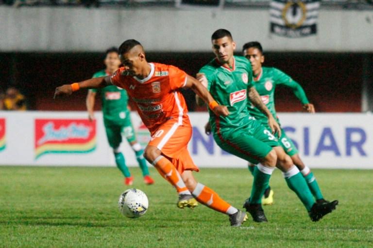 Prediksi PSS vs Borneo FC