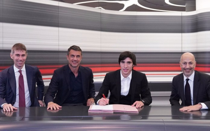 Sandro Tonali Resmi Bergabung AC Milan