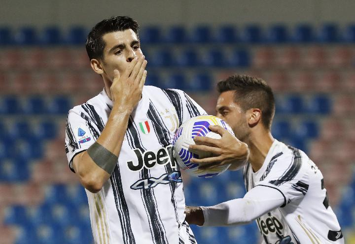 Crotone vs Juventus (1-1), Debut Federico Chiesa Diwarnai Kartu Merah