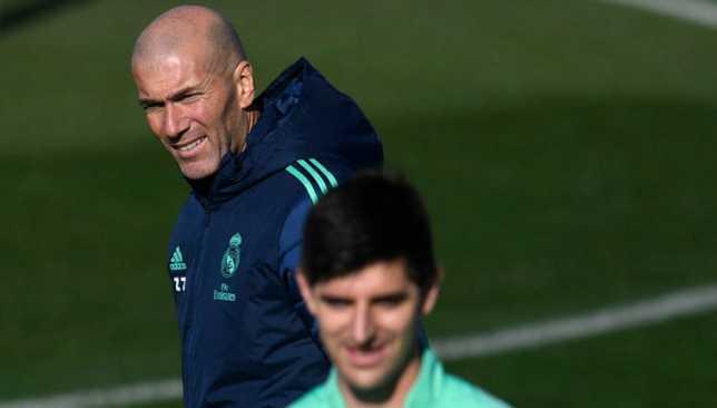 Thibaut Courtois Jelaskan Perbedaan Zinedine Zidane dengan Diego Simeone