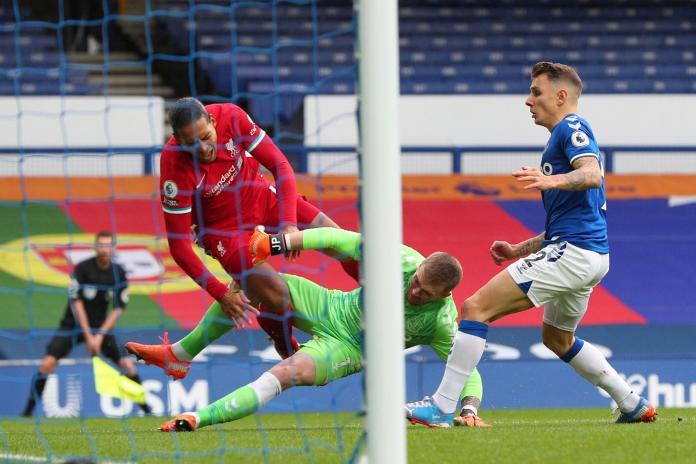 Hasil Everton vs Liverpool (2-2), Salah Cetak Gol ke-100 dan Richarlison Terima Kartu Merah