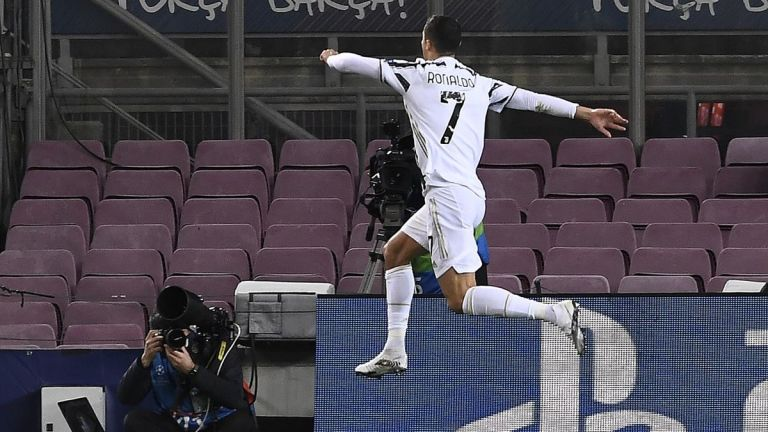 Dua Gol Penalti Cristiano Ronaldo Bawa Juventus Menang 0-3 Atas Barcelona di Camp Nou