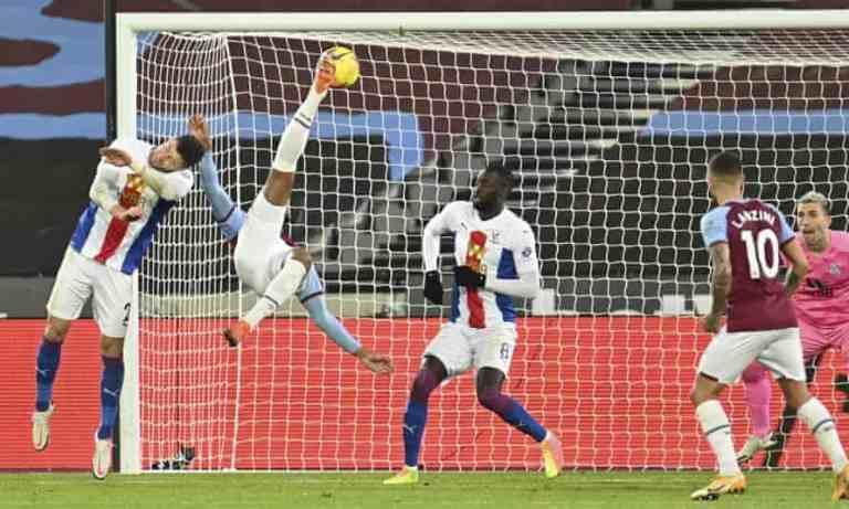 Christian Benteke Gagal Bawa Poin Penuh untuk Crystal Palace