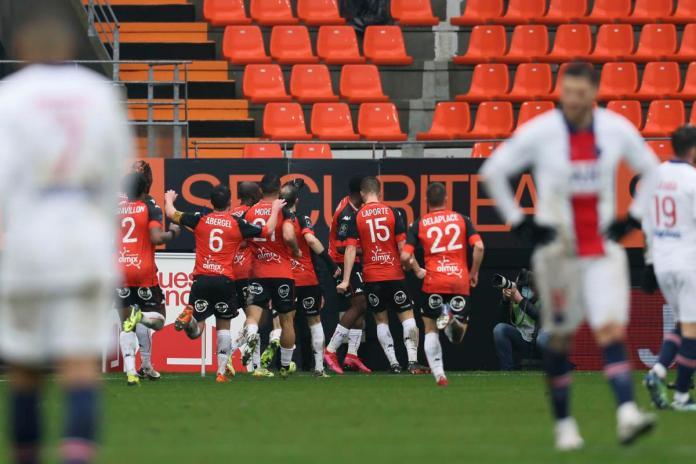 Dapat Dua Gol Penalti, PSG Tetap Takluk dari Lorient