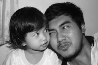 0108(Tania with her hero)