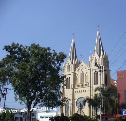 Gereja Katolik di sebelah Sarinah Malang