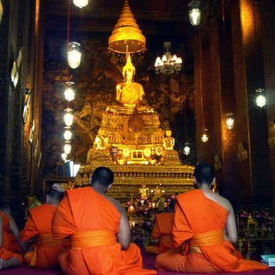 Buddhist monks in Wat Pho complex, Bangkok, Thailand